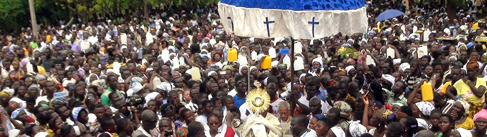 Crowd of Pilgrims in Kongo